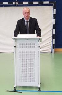 Versammlung der Schulgemeinschaft zum Gedenken an die Opfer des Anschlags von Hanau
